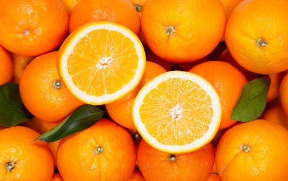 Eating Oranges may prevent macular degeneration