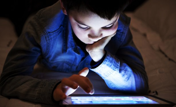 What harms children's vision in digital era?