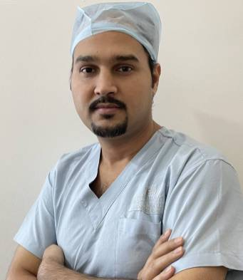 Dr Nitin Tiwari MBBS,MS,FCRS,FICO
