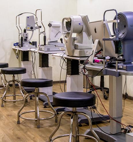 Diagnostic eye test room