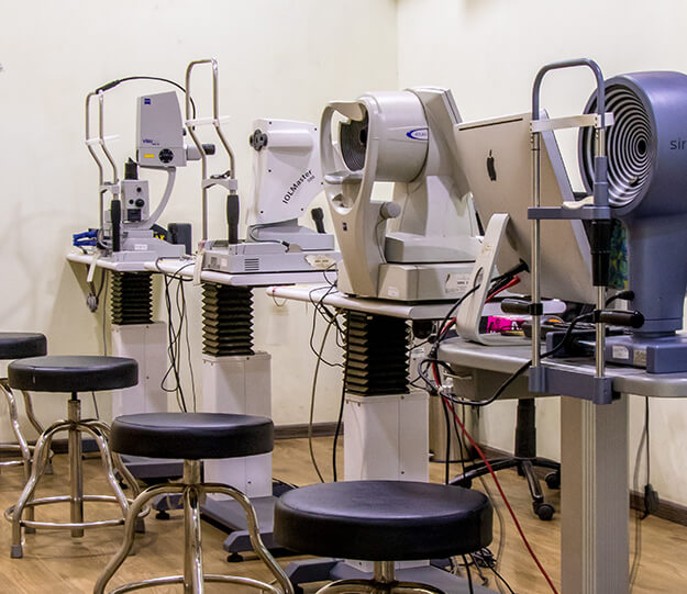 Cornea and Cataract investigation room