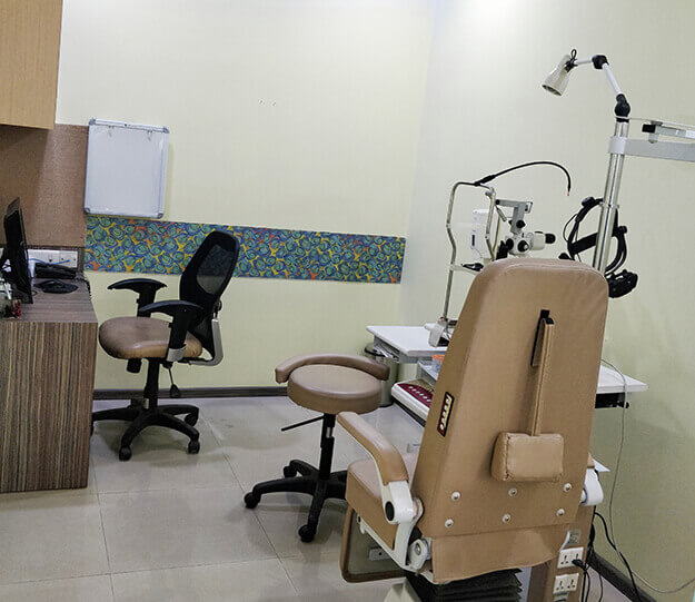 Oculoplasty consulting room